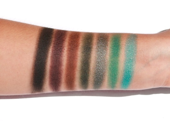 The Jaclyn Hill Morphe Eyeshadow Palette Swatches