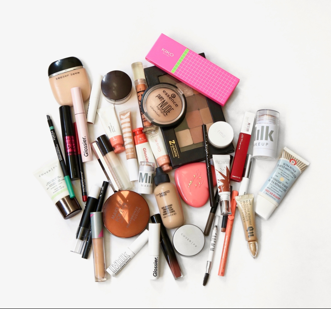 How to Build A Capsule Makeup Collection